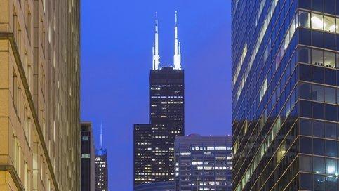 Iluminación de obstrucción para torres de difusión