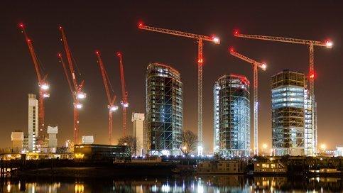 Luces de obstrucción para grúas e infraestructura