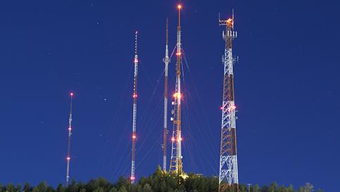 luces de la torre de iluminación obstrucción roja