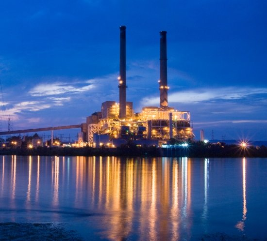 Widows Creek Power Plant in Alabama is lit by 10 FTB 205 high intensity obstruction lighting systems controlled by an FTC 121