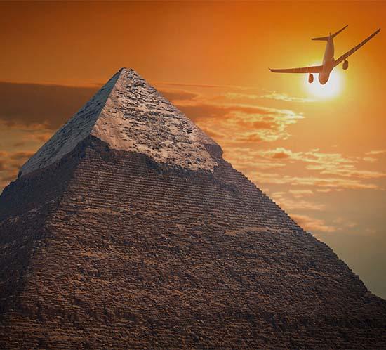 El aeropuerto internacional de El Cairo utiliza los sistemas de iluminación de aproximación del aeropuerto FTS 800