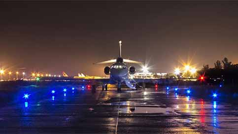 A650 apron lighting