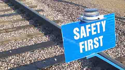 An OL2A enhances railyard blue flag safety