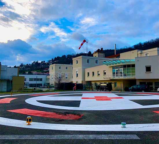 A704-VL and A560 helipad lights installed at Hopital Elisée Charra, France