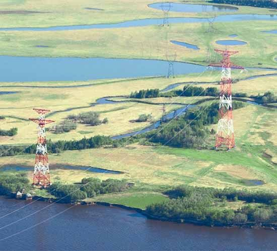 Painted electrical transmission towers require aviation red paint for day and flashing red lights for night